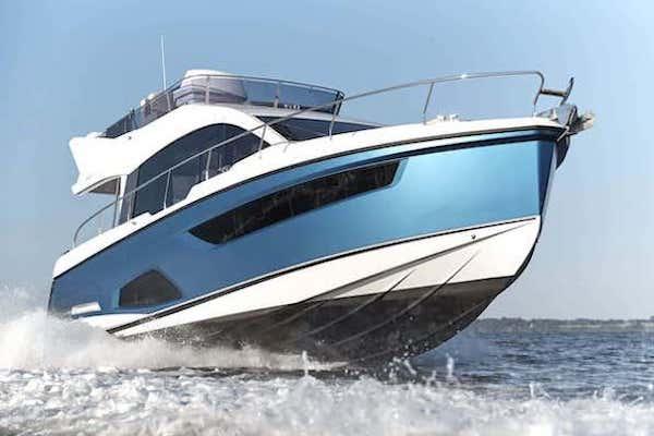 Serienboot der HanseYachts AG